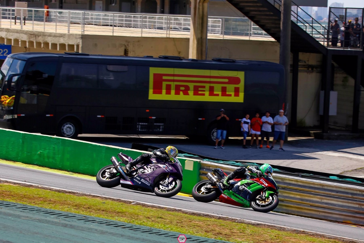 Anthony West leading Brazilian Superbike Championship