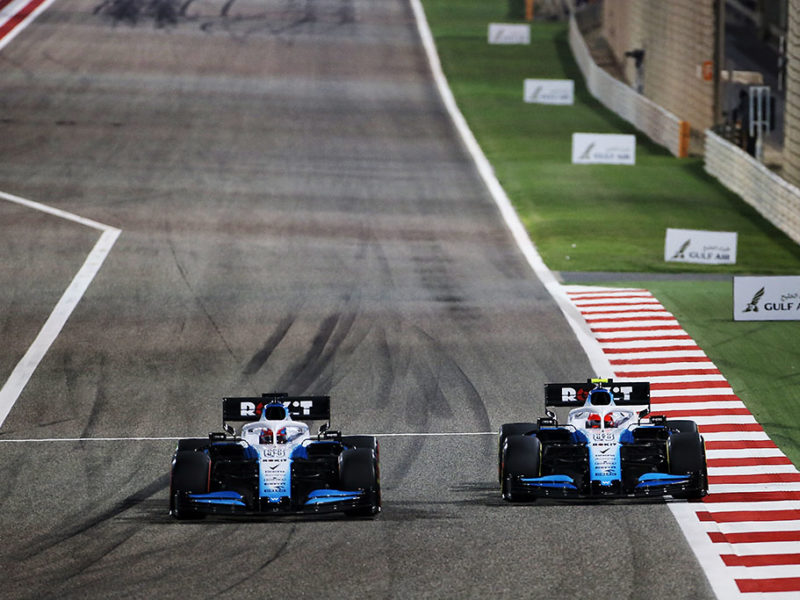 (L to R): George Russell (GBR) Williams Racing FW42 and Robert Kubica (POL) Williams Racing FW42 battle for position. Bahrain Grand Prix, Sunday 31st March 2019. Sakhir, Bahrain.