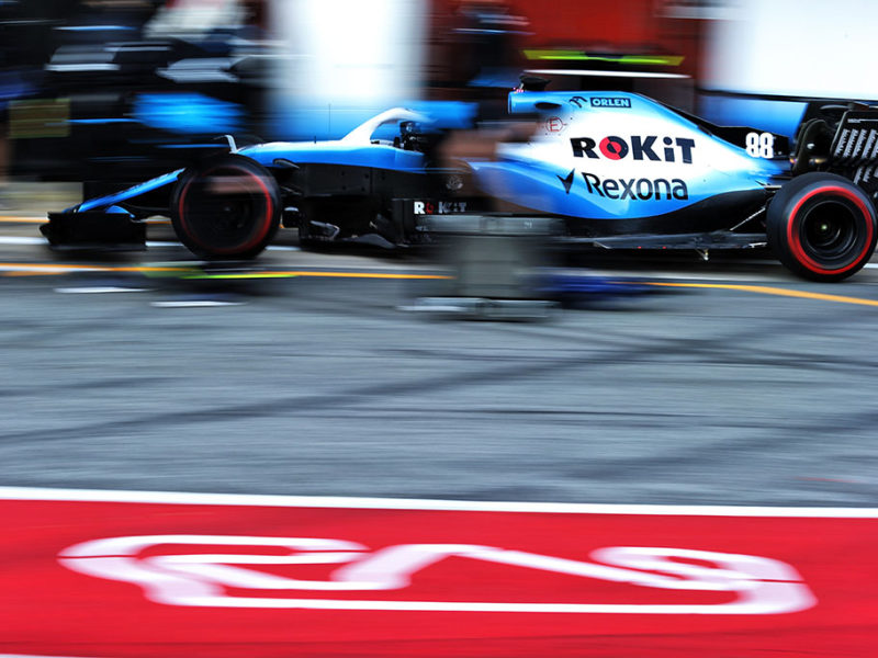 Robert Kubica (POL) Williams Racing FW42 practices a pit stop. Formula One Testing, Day 4, Friday 1st March 2019. Barcelona, Spain.
