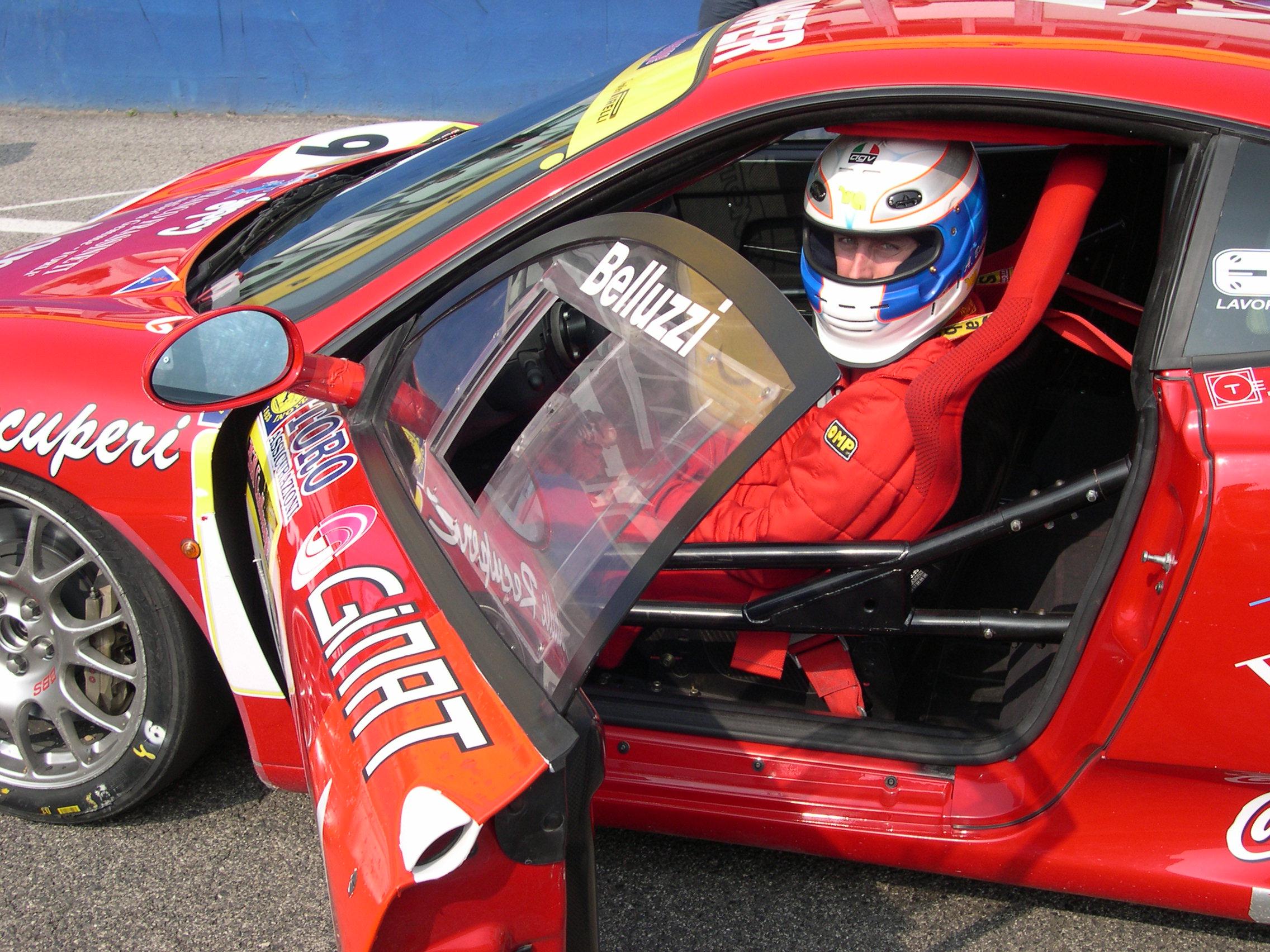 San Marino – Da pilota a Ministro – La storia di Andrea Belluzzi, pluri – Campione del Mondo Ferrari Challenge