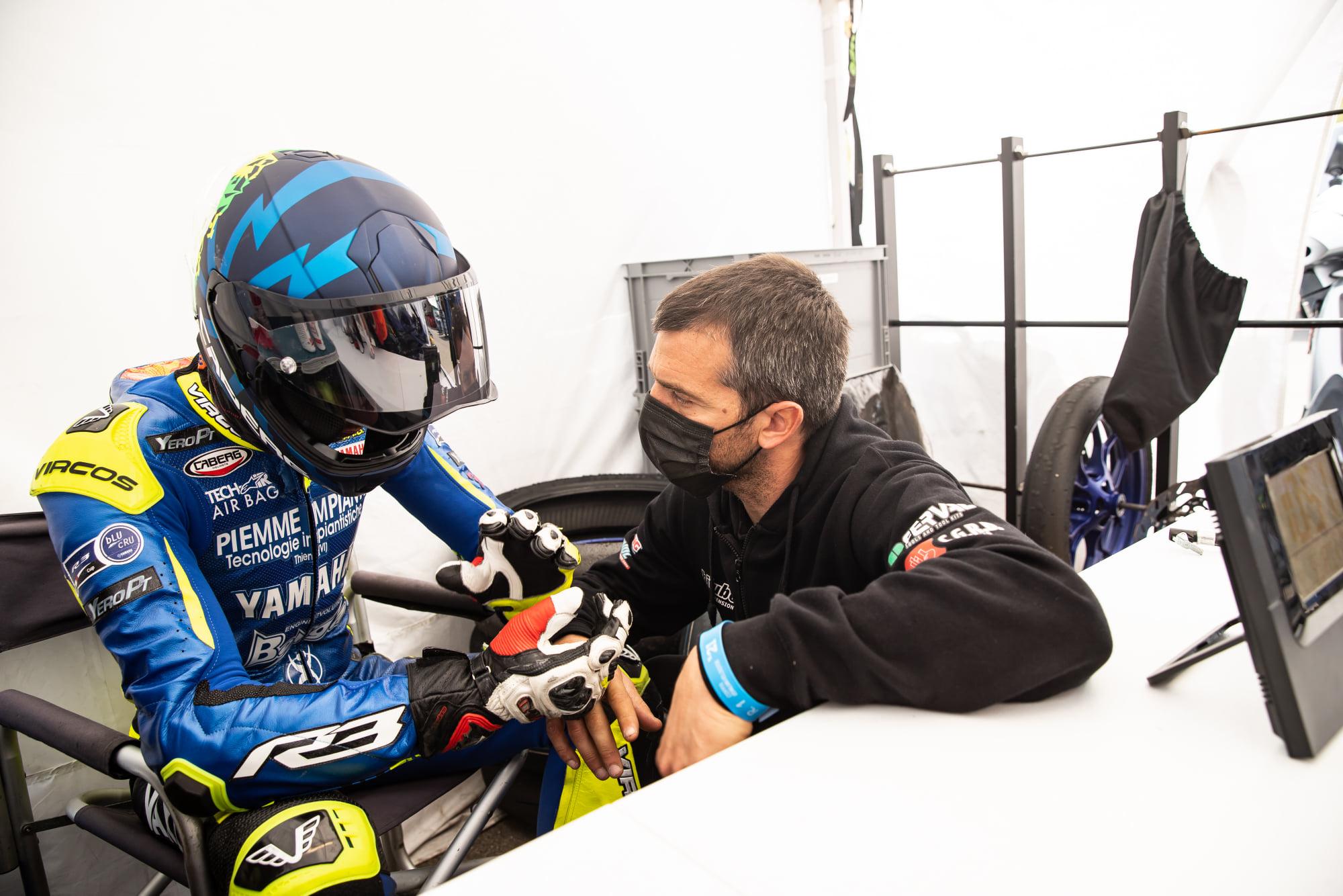 """Intervista ad Alex De Angelis tra presente e  passato """"Scendo in pista tutti i giorni con i miei piloti. La MotoE? Non cerca lo sviluppo"""""""