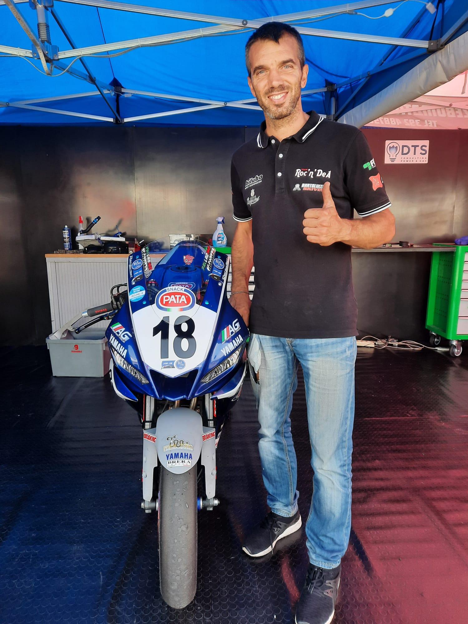 Il team Roc'n'Dea ha vinto la Yamaha R3 Cup